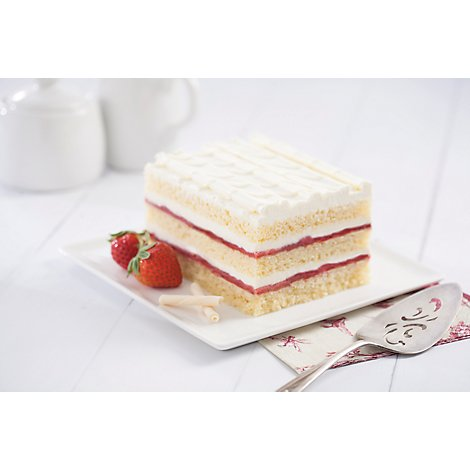 Bakery Cake Strawberry Short - Each