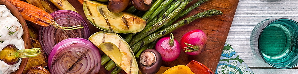 Grilled Summer Vegetable Platter with Grilled Sweet Onion Dip