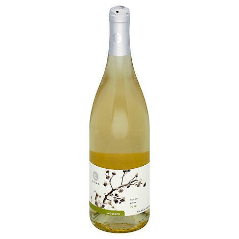 Golan Moscato Wine - 750 Ml
