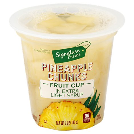 Signature Farms Pineapple Chunks in Extra Light Syrup - 7 Oz