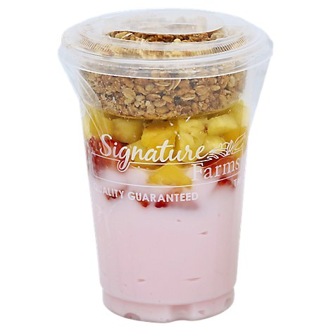 Fresh Cut Yogurt Parfait Strawberry With Strawberries And Pineapple - 12 Oz (550 Cal)