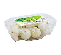 Signature Farms Onions White Boiler - 7 Oz