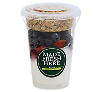 Fresh Cut Yogurt Parfait Vanilla With Strawberry & Blueberry - 12 Oz (480 Cal)