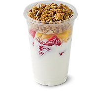 Fresh Cut Yogurt Parfait Vanilla With Strawberry & Mango - 12 Oz (480 Cal)