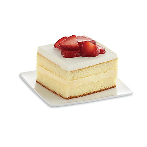 Bakery Cake Slice Strawberry 1 Count