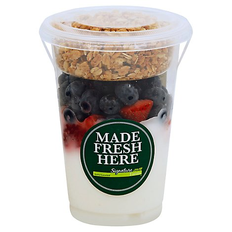 Yogurt Parfait Vanilla With Strawberry & Blueberry - 12 Oz