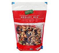 Signature Farms Orchard Nut Medley - 20 OZ