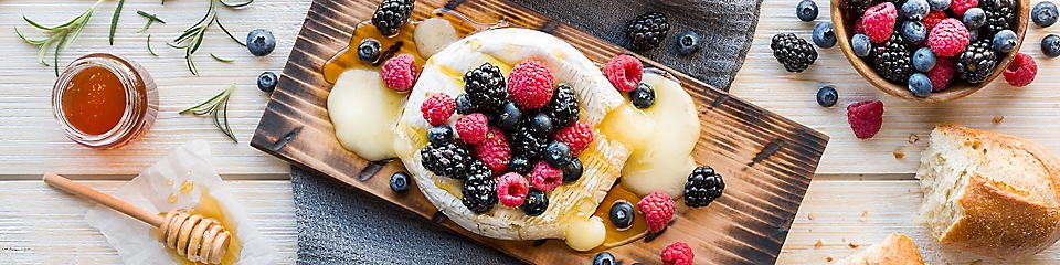 Grilled Brie and Berries